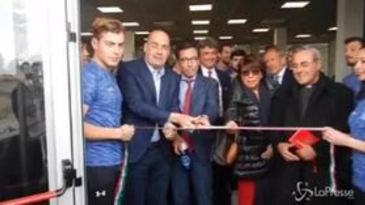 """Ostia, Zingaretti inaugura la """"Palestra della legalità"""": """"In questa zona è vita"""""""