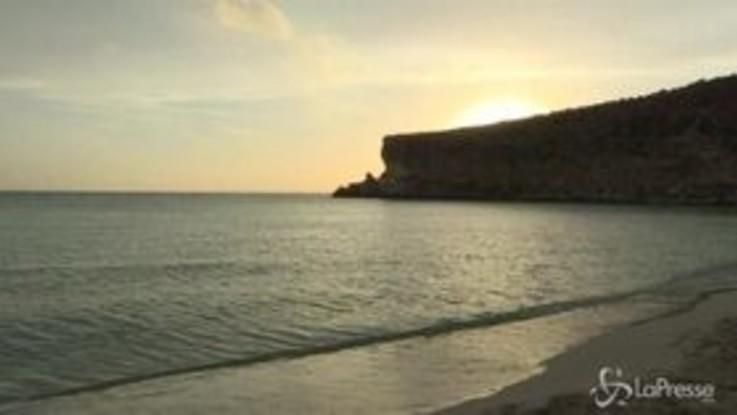 Lampedusa, la spiaggia dei Conigli è la più bella d'Italia