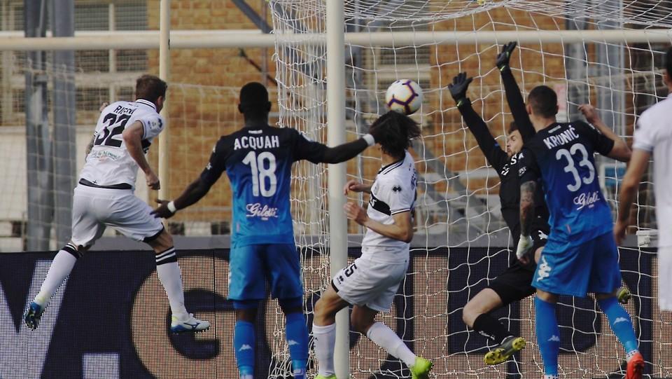 Rigoni va a segno e riporta il Parma in vantaggio ©