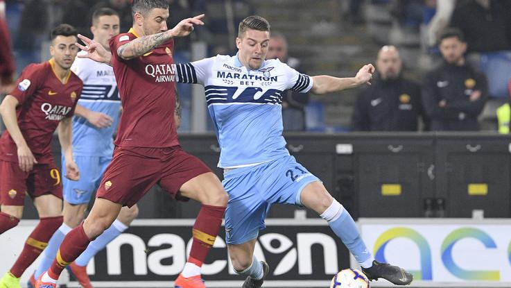 Brutta Roma, ottima Lazio. Il derby finisce 3-0
