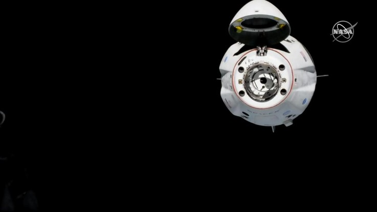 Crew Dragon di SpaceX si aggancia con successo alla Stazione spaziale internazionale