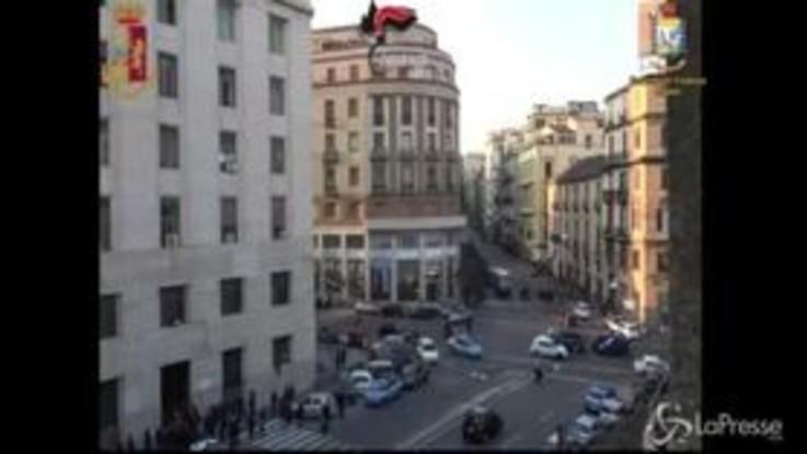 Marco Di Lauro in Questura a Napoli, festeggiano i poliziotti
