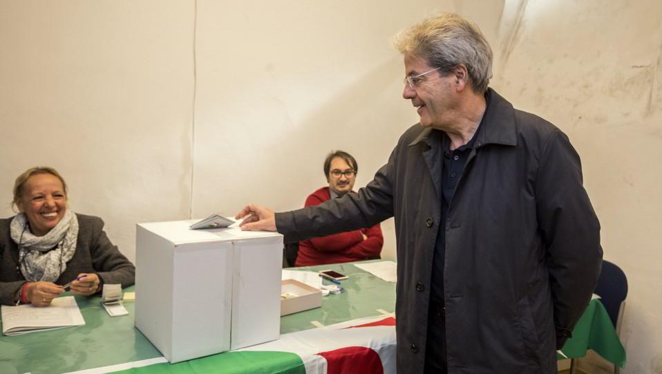 Paolo Gentiloni al voto ©