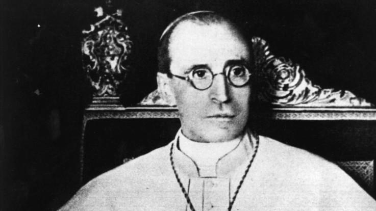 """Il Vaticano aprirà gli archivi segreti su Pio XII. Papa Francesco: """"La Chiesa non ha paura della storia"""""""