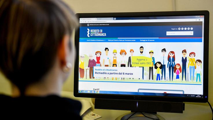 Reddito di cittadinanza, fare domanda ai Caf: le informazioni utili