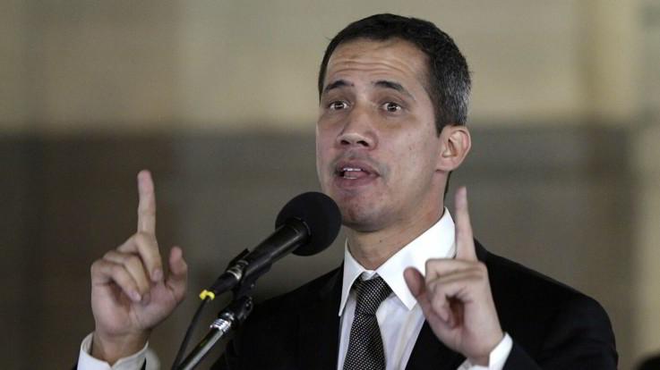 "Venezuela, Guaido torna a Caracas: ora rischia l'arresto. Usa: ""Pronti a reagire in caso di minacce"""