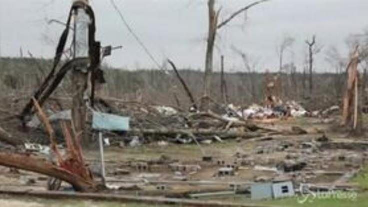 Usa, la devastazione lasciata dai tornado in Alabama