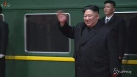 Kim Jong Un rientra in patria: accoglienza da eroe