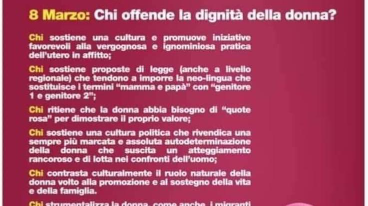 """Manifesto choc della Lega di Crotone per l'8 marzo: """"Ruolo naturale della donna? Casa e famiglia"""""""