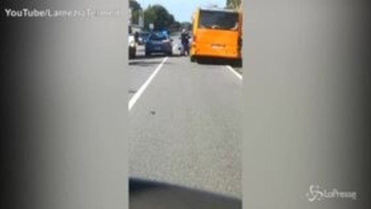 Lamezia, ruba un autobus e fugge: inseguito e arrestato dalla Polizia