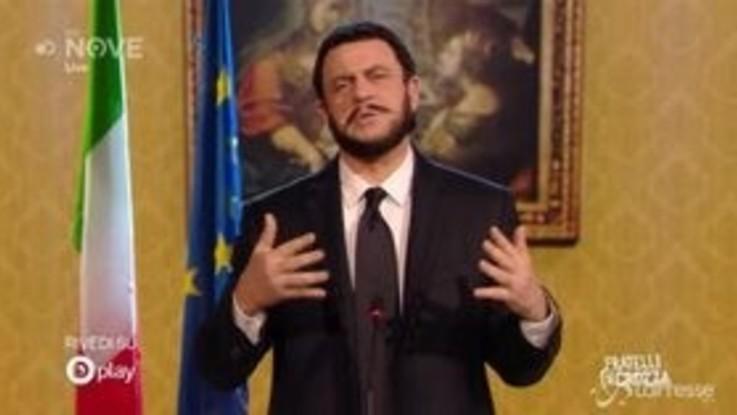 """Crozza-Salvini esulta per il diritto alla legittima difesa: """"Legge voluta da un pistola italiano"""""""