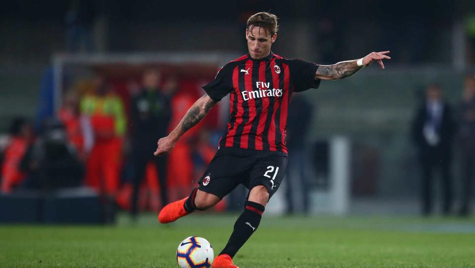 Lucas Biglia mette a segno la punizione dell'1-0 ©