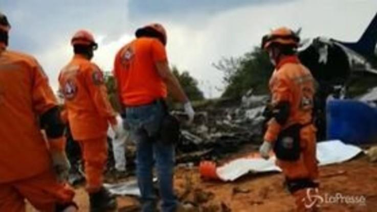 Colombia, si schianta aereo privato: almeno 12 morti