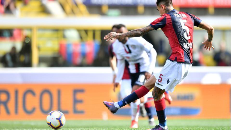 Erick Pulgar (Bologna F.C.) realizza il gol 1-0 ©