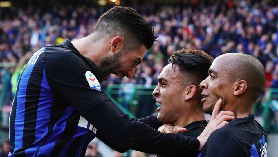 L'esultanza di Gagliardini dopo aver segnato il gol del 2-0 ©