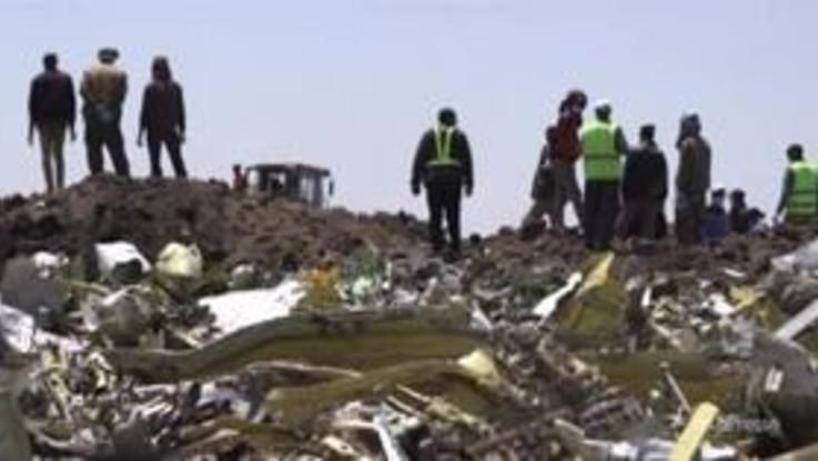 Disastro aereo in Etiopia, recuperate le scatole nere