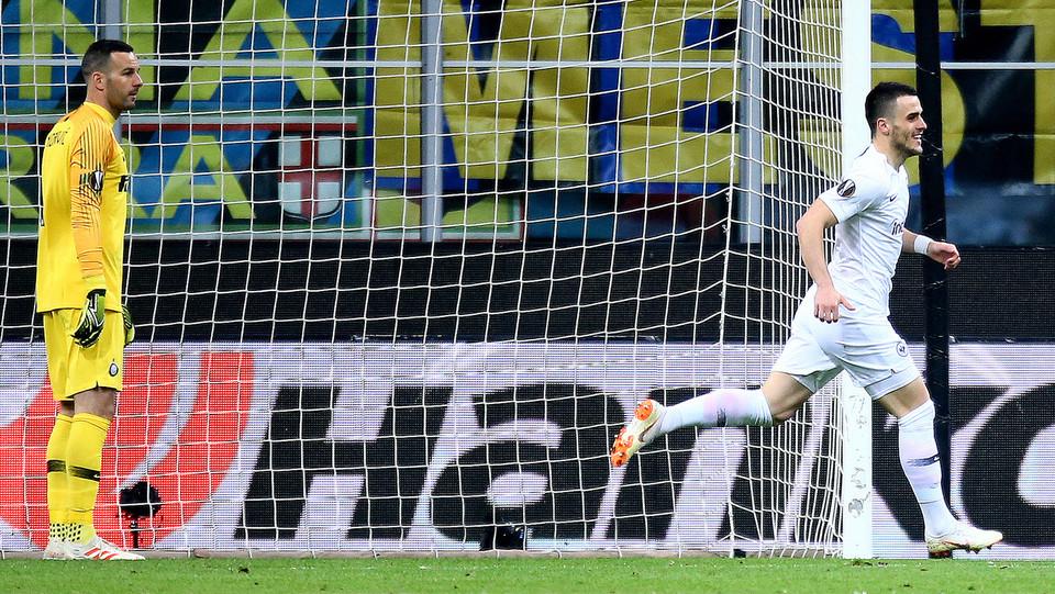 5' Grande rete di Jovic! Eintracht subito in vantaggio ©