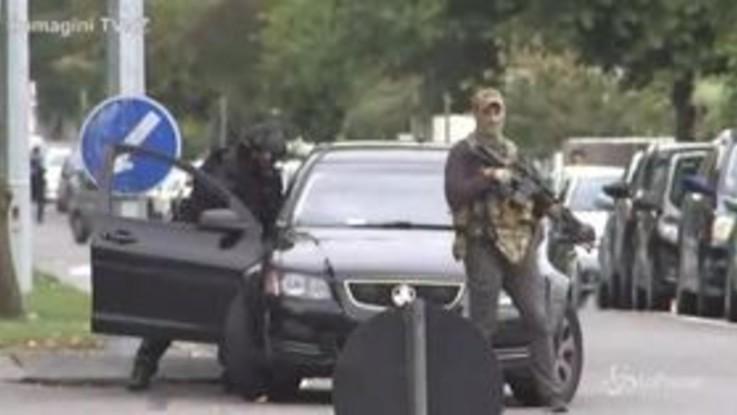 Attacco terroristico in Nuova Zelanda, la polizia arriva sul luogo