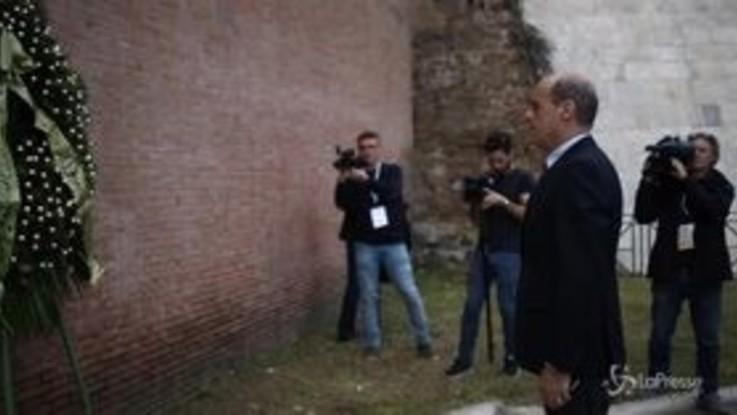 Roma, Zingaretti omaggia i caduti della Resistenza Romana