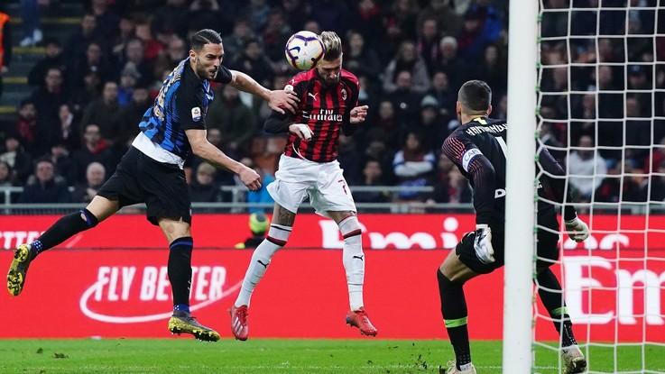 Emozioni a San Siro. L'Inter si ritrova e batte il Milan nel derby: 3-2