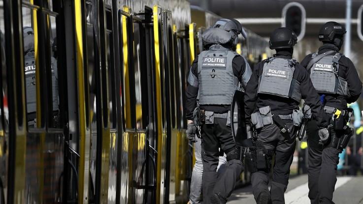 """Olanda, spari a Utrecht: un morto e diversi feriti. La polizia: """"Potrebbe trattarsi di terrorismo"""""""