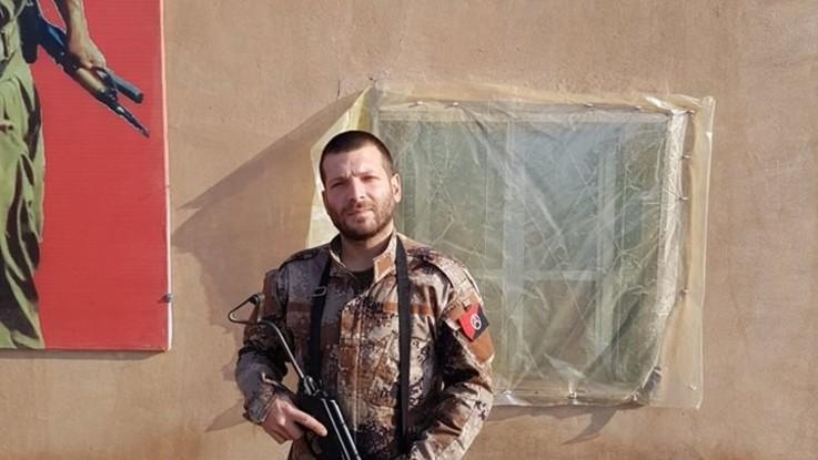 """""""Non rattristatevi, non ho rimpianti"""": l'ultimo messaggio di Lorenzo, combattente italiano ucciso in Siria"""