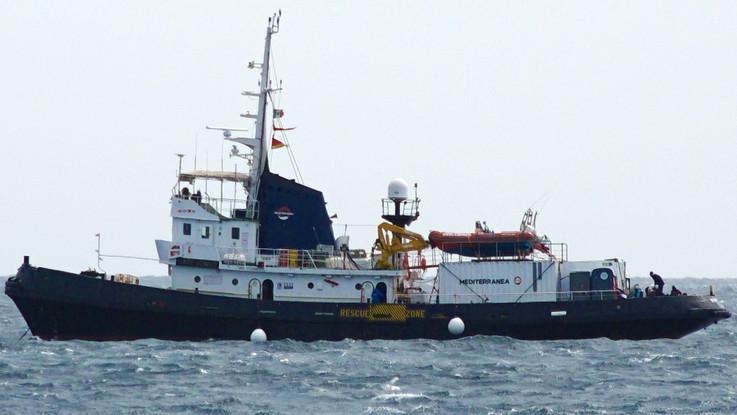 Mare Jonio, sequestrata la nave a Lampedusa. Ora gli interrogatori
