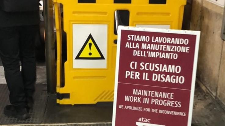 Roma, cede gradino scala mobile: paura a metro Barberini