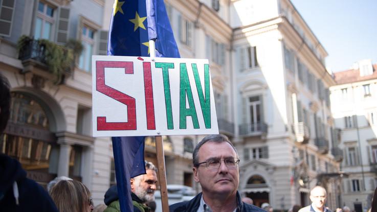 Tav, cambio di passo per imprese e madamine: in piazza il 6 aprile con bandiere