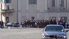 Xi Jinping arriva al Quirinale scortato dai corazzieri a cavallo