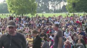 Christchurch, 40mila persone alla veglia per le vittime dell'attentato terroristico