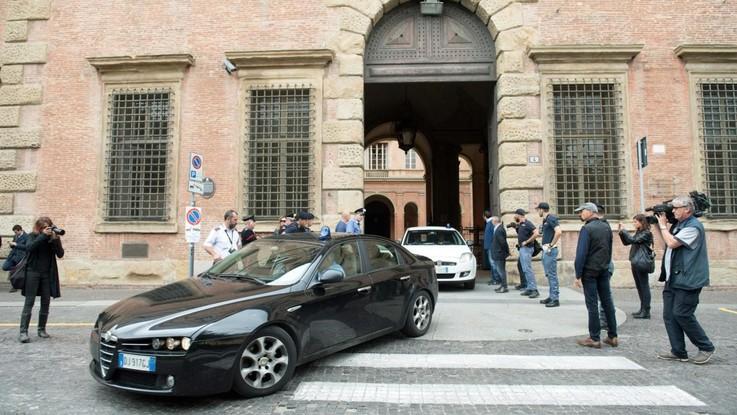 Bologna, Igor il russo condannato all'ergastolo per due omicidi in Italia