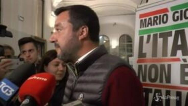 """Salvini: """"Berlusconi mi da del co***ne, Di Maio dello sfigato, sarò metà e metà"""""""