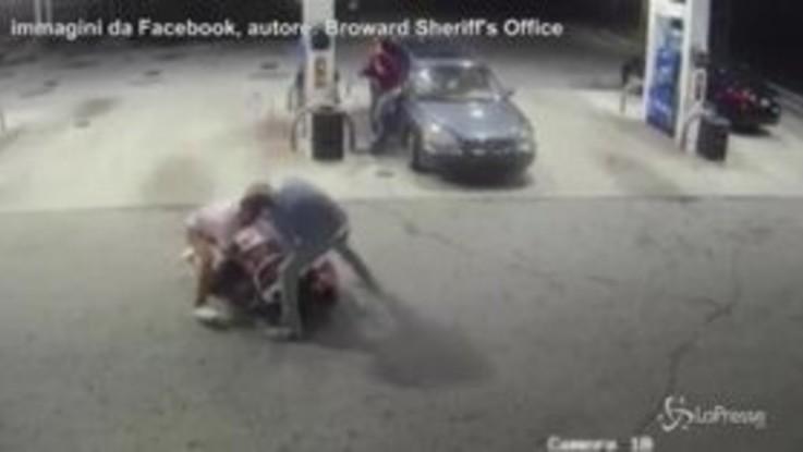 Florida, la rapina finisce male: ladro picchiato e costretto alla fuga