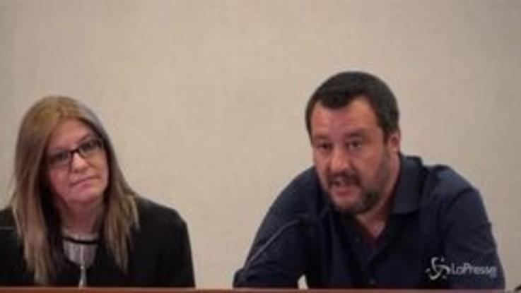 """Bus sequestrato, Salvini: """"Disgustato dall'uso dei ragazzini per battaglia politica"""""""