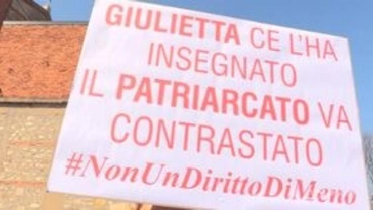 Verona, il corteo di 'Non una di meno' contro il Congresso delle famiglie