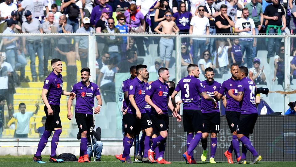 Fiorentina in festa dopo la rete di Simeone ©