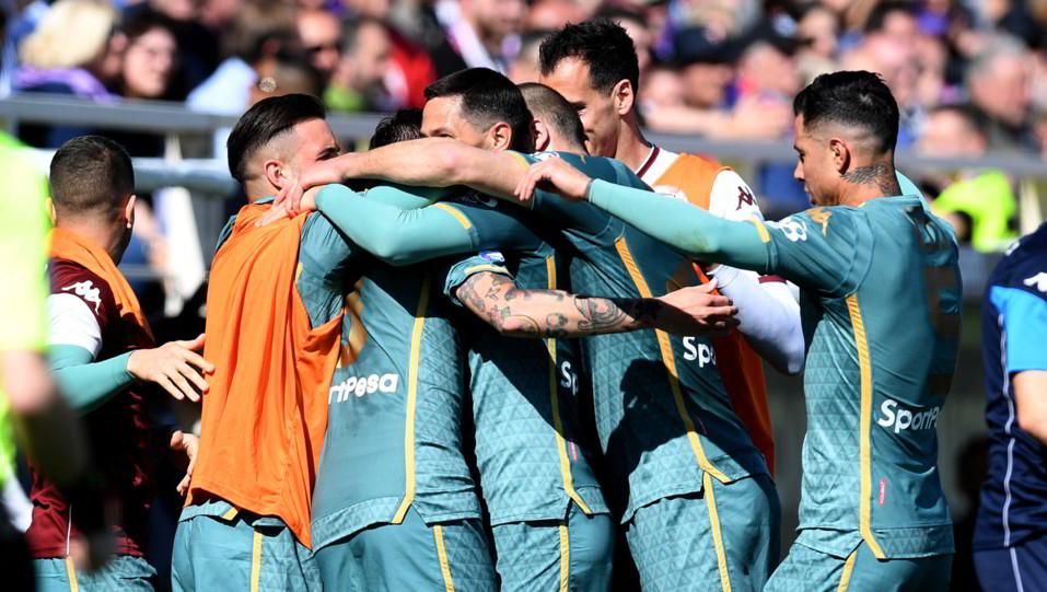 Baselli festeggia dopo il gol ©