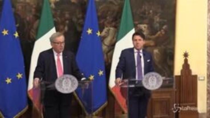 """Juncker: """"Non sono tra chi critica Italia per aver preso impegni con la Cina"""""""