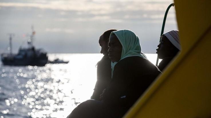 """Nave di ong tedesca salva 64 migranti. Salvini: """"Porto sicuro? Vada ad Amburgo"""""""