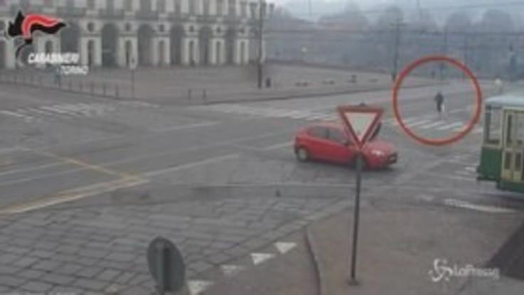 Uccisione di Stefano Leo a Torino, il video della fuga del killer