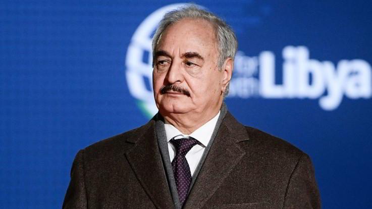 """Libia, offensiva di Haftar nell'ovest. Il generale alle truppe: """"Avanzare verso Tripoli, è giunto il momento"""""""