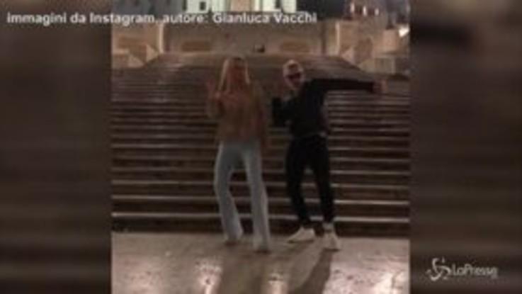 Hunziker-Vacchi, stacchetto sulle scale di piazza di Spagna: il video è virale