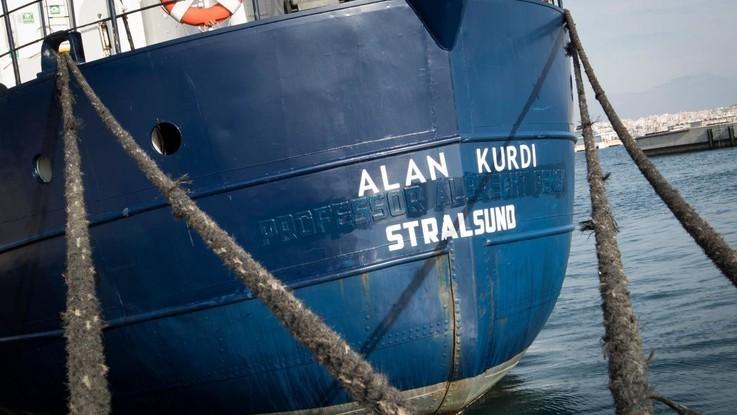 """Alan Kurdi verso Malta, esposto di Mediterranea contro il governo italiano. Sea Eye: """"Salvini umilia e sfrutta i migranti"""""""