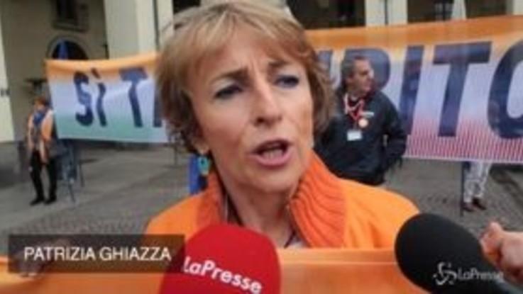 """Torino, madamine in piazza: """"La Tav resti al centro di dibattito politico"""""""