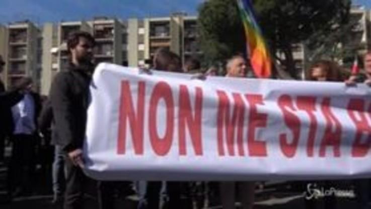 """Torre Maura, """"Bella ciao"""": scendono in piazza gli antifascisti"""