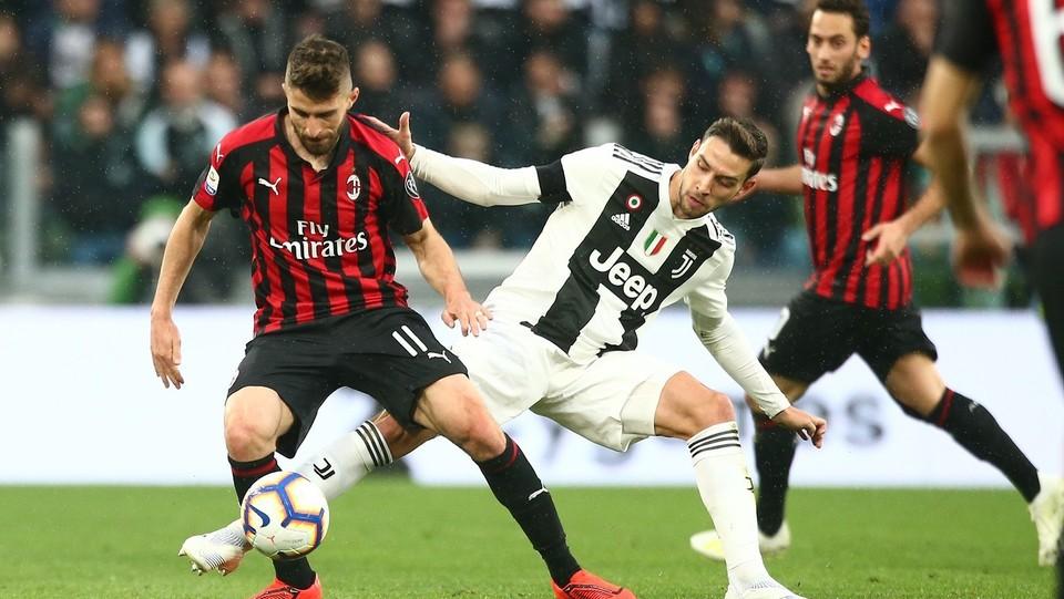 Borini (Milan) e De Sciglio (Juventus) ©