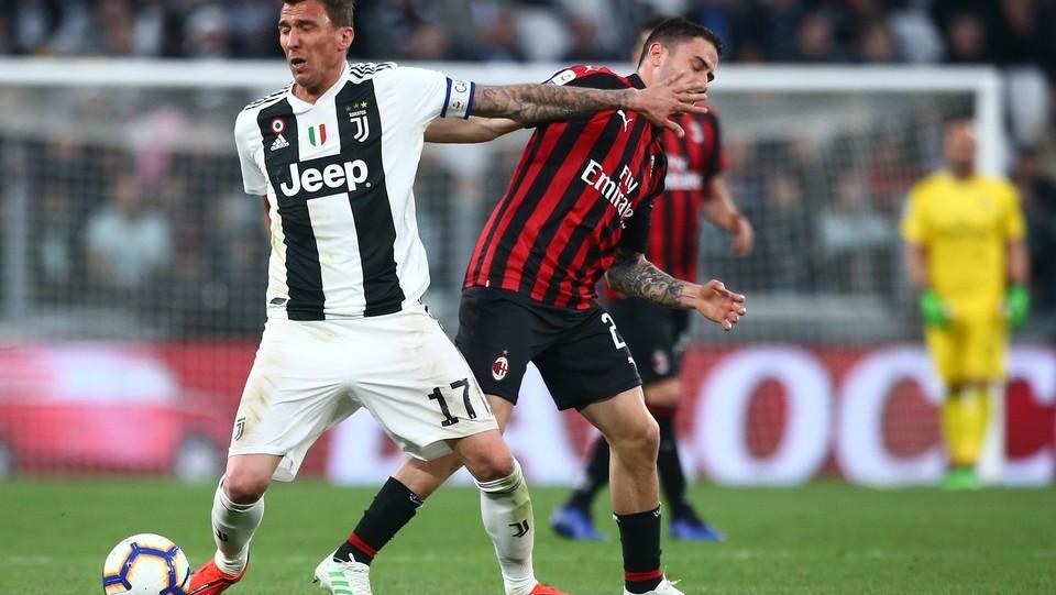 Mandzukic (Juventus) e Calabria (Milan) ©