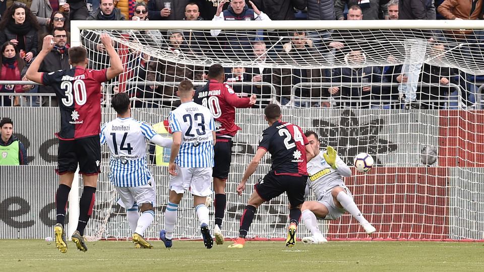 Il gol dell'1-0 di Paolo Farago (Cagliari Calcio) ©