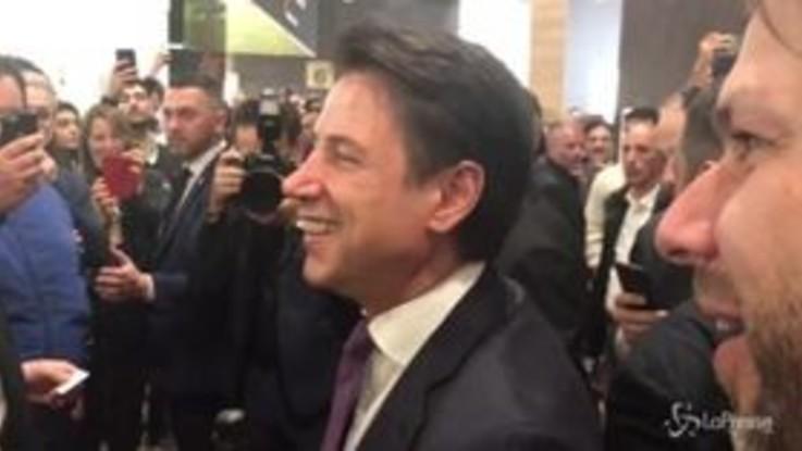Vinitaly, non solo Salvini: pioggia di selfie anche per Conte